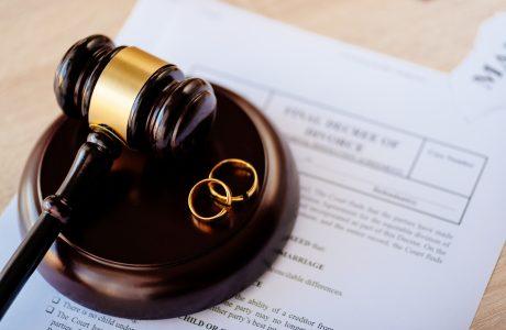 """""""דינם של פיצויי נזיקין באיזון משאבים בין בני זוג"""""""